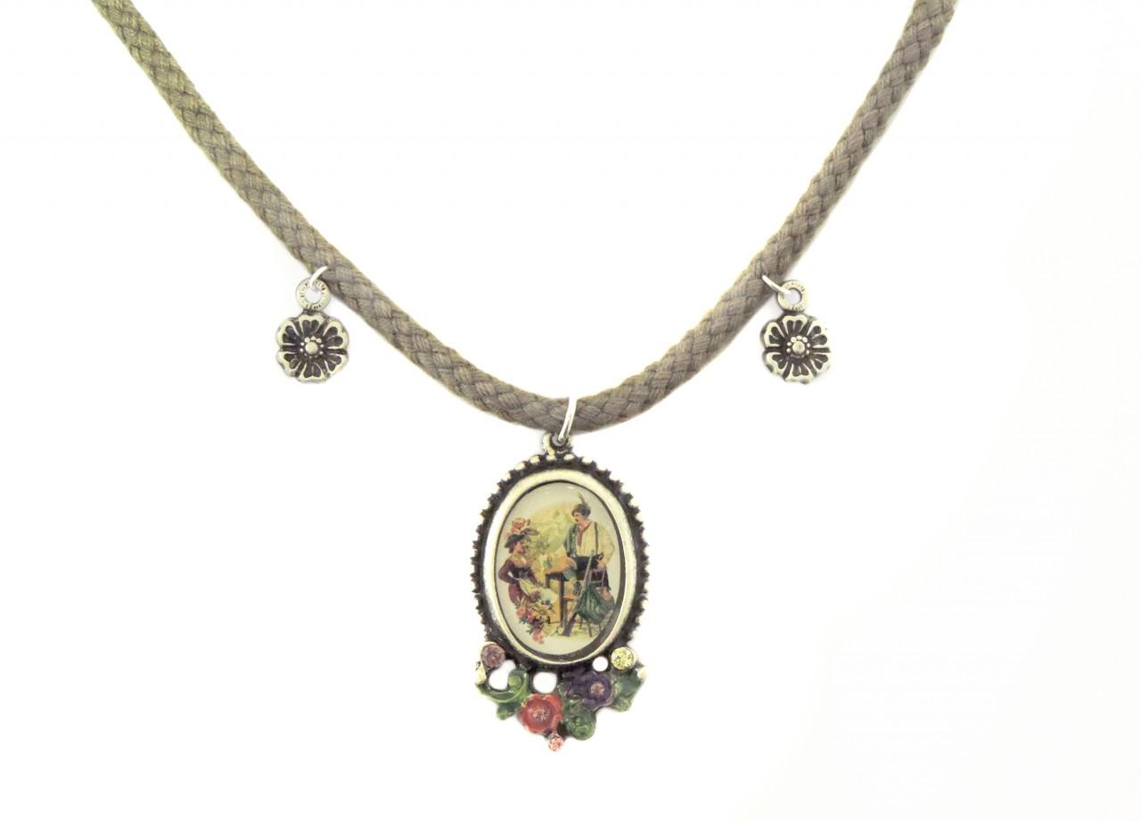 Kette mit Trachten Amulett