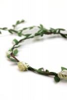 Vorschau: Haarkranz mit zarten weißen Blüten