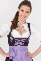 Enchanting 3-piece dirndl with purple apron