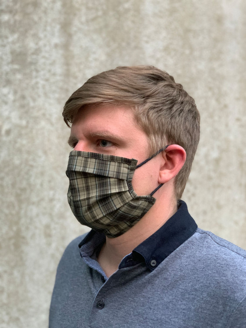 Mund-Nasen-Maske mit Karomuster