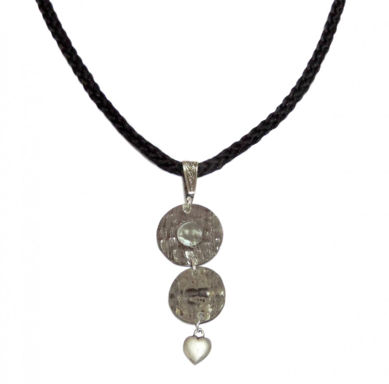 Halskette mit Perlmutt Anhängern