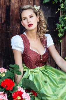 Dirndl Sally bordowy