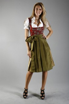 3-piece red dirndl with floral embroidery