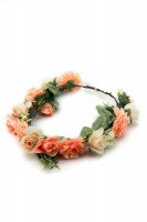 Haarkranz mit orangen Blüten