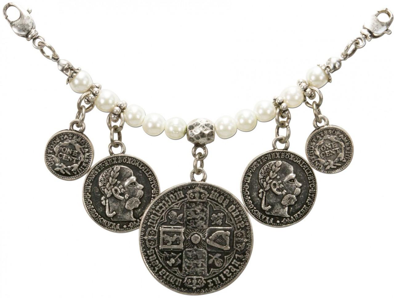 Mini pearl charivari with coins