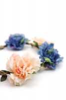 Vorschau: rosa-blaues Blütenhaarband