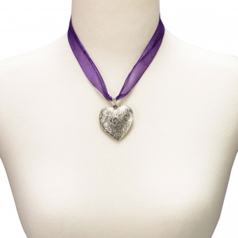Organzakette Herzamulett lila