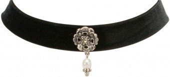 Trachten Choker with Ornamental Pendant, Black