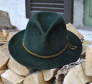 costume-3524657_1920