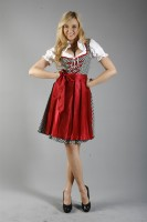 3-piece dirndl with polka dots