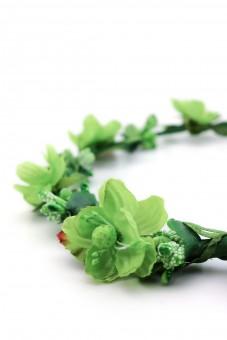 Leichter Haarkranz in Grün