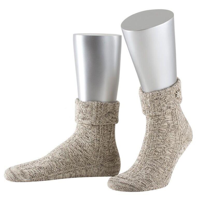 Korte sokkenrok met zilveren edelweissbloem