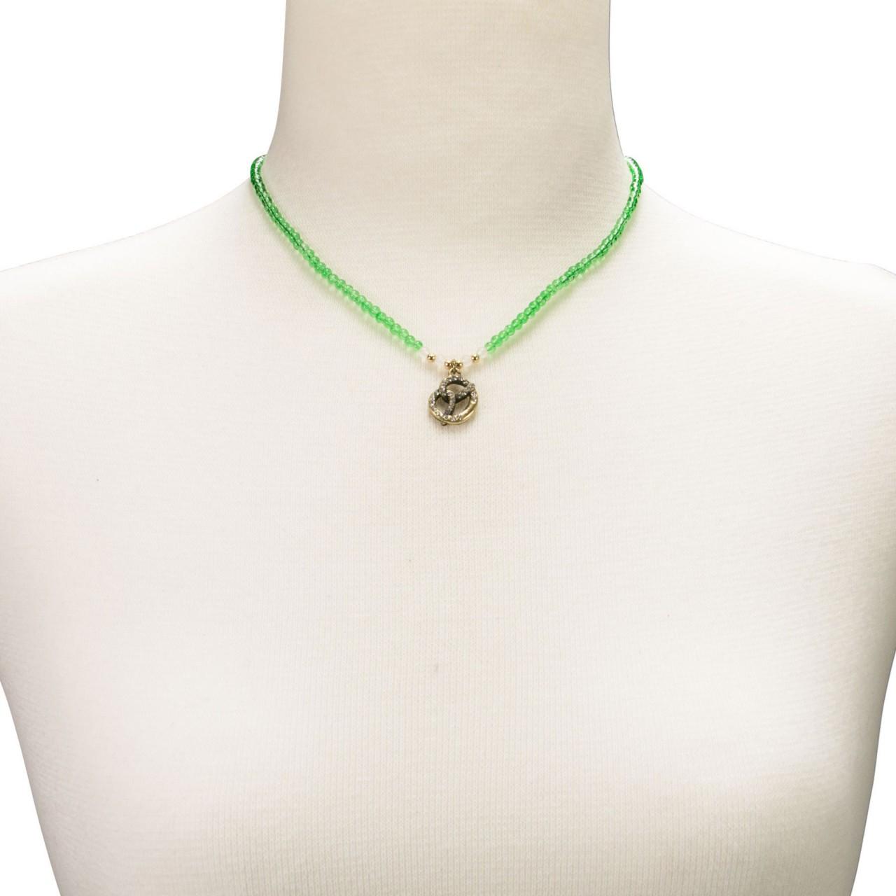 Perlenhalskette Strass-Brezel grün