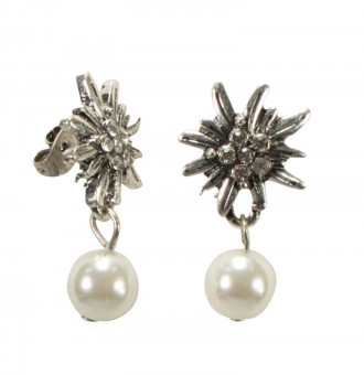 Edelweiss stud earrings with pearl